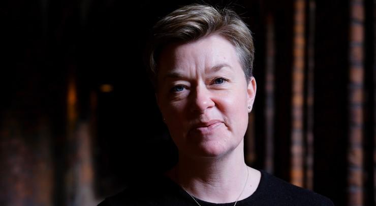 Medhjælper Ulla Brorly Dinesen