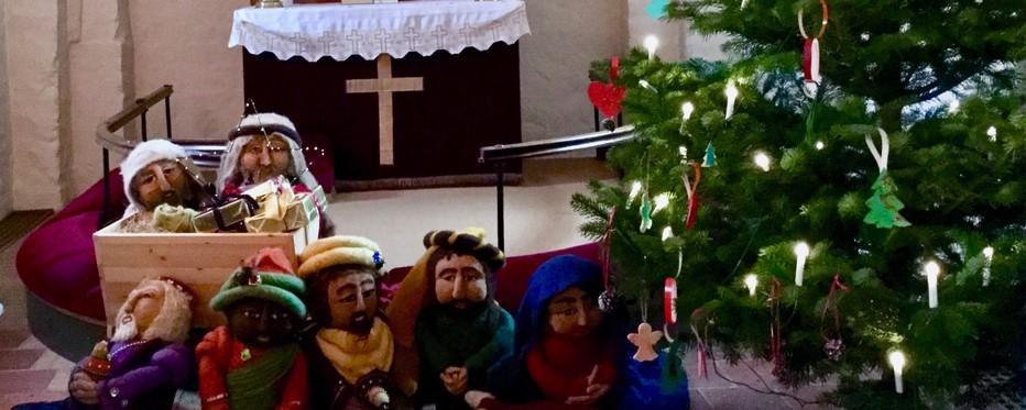 julekrybbe og juletræ